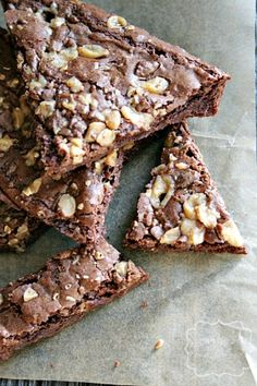 Brownie Brittle with Toffee heathersfrenchpress.com #brownie #toffee