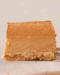 Dessert recipes - Red Velvet Microwave Treats 3 Ways Dutch Oven Recipes, Baking Recipes, Custard Desserts, Custard Tart, Salted Caramel Fudge, Salted Caramels, Milktart Recipe, Easy Desserts, Dessert Recipes