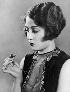 Dorothy Sebastian in a lovely vintage dress, 1920s.