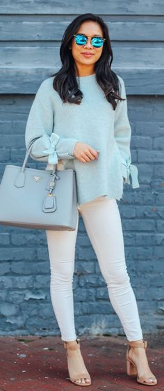 Cute spring outfits /  Blue Knit / Grey Leather Tote Bag / White Skinny Jeans / Nude Sandals