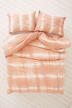 Shop Mesa Soft Dye Jersey Duvet Cover at Urban Outfitters today. Tie Dye Sheets, Peach Rooms, Duvet Covers Urban Outfitters, Tie Dye Bedding, Organized Mom, My New Room, Dream Bedroom, Home Textile, Duvet Insert