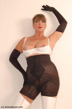 Mädchen In Bikinis, Shapewear, Bodysuit, Lingerie, Lady, How To Wear, Tops, Dresses, Girdles