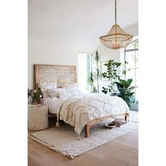Anthropologie Handcarved Albaron Bed (€1.955) ❤ liked on Polyvore featuring home, furniture, beds, moroccan bed, hand carved furniture, moroccan style furniture, moroccan furniture and two tone furniture