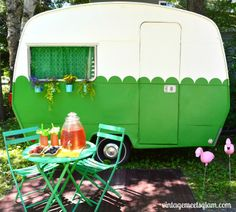 32 Vintage Camper Decor Transformed Into A Cozy Place, Electric heating itself isn't a new technology. You will have to drink plenty of water out there and they make it simple to achieve that. Vintage Campers Trailers, Retro Campers, Vintage Caravans, Camper Trailers, Happy Campers, Vintage Motorhome, Retro Caravan, Tiny Trailers, Gypsy Caravan