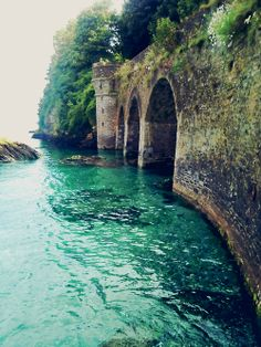 ~ Looe, Cornwall - ABSOLUTELY INCREDIBLE!! - (makes me want to explore inside!)
