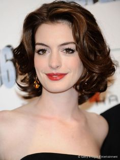 Short Hairstyles For Wavy Hair Can Be Creative And Fun To Do. There Are 10  Beautiful Short Hairstyles For Wavy Hair For You. Try Out And Go Crazy With  Short ...