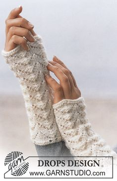 Free knitting patterns and crochet patterns by DROPS Design Crochet Gloves Pattern, Lace Knitting Patterns, Mittens Pattern, Arm Knitting, Knit Crochet, Knitting Needles, Fingerless Mittens, Knit Mittens, Knitted Gloves