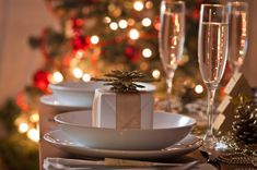 Royal Ashburn is well-known for creating perfectly executed golf and banquet experiences. Not only do we offer a wide range of strategic pre-planned menus, but we also make it possible for you to create a customized menu specific to your event, tastes and requirements. Christmas Catering, Public Golf Courses, Community Organizing, Liking Someone, Holiday Parties, Packaging, Make It Yourself, Table Decorations, Banquet