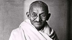 """Uma mãe levou seu filho ao Mahatma Gandhi e implorou: """"Por favor, Mahatma, peça ao meu filho par..."""