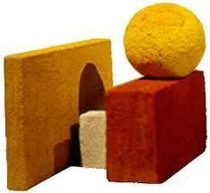 Eila Minkkinen Neljä elementtiä, veistos; värjätty betoni. Four elements, sculpture; coloured concrete 25x42x40cm,1993