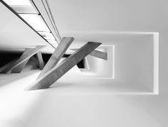 architecture-concrete-pilars-1306252294_resized