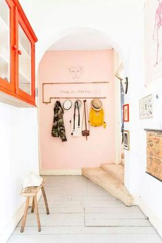 pink accent wall   Pinterest: Natalia Escaño