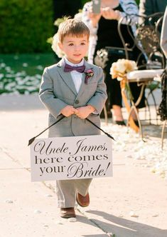 Adorable here comes the bride signs for the page boy to announce your arrival! Would say Uncle Bash here comes your Bride. Leonard would be toting this down the aisle Wedding Themes, Wedding Signs, Wedding Ideas, Wedding Table, Trendy Wedding, Wedding Centerpieces, Diy Wedding, Wedding Decor, Rustic Wedding