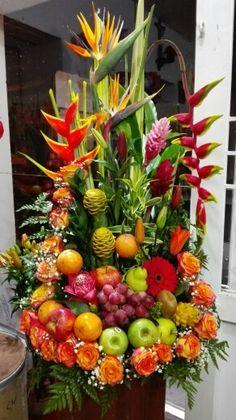 Veggie Display, Cheese Display, Veggie Tray, Fruit Buffet, Traditional Wedding Decor, Fruit Decorations, Church Flowers, Fruit Arrangements, Fruit Displays