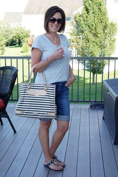 Casual Mom Style: Gray Tee with Jean Shorts & Striped Tote