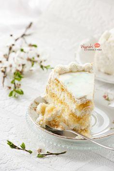 klasyczny tort śmietankowy