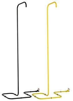 A Minimalist Outdoor Shower by Tarantik & Egger - Design Milk Shower Tub, Shower Heads, Hidden Shower, Portable Outdoor Shower, Black Shower, She Sheds, Pool Designs, Deco, Minimalist Design