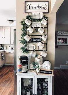 33 Awesome Farmhouse Small Apartment Decor Ideas And Design – Small Farmhouse Decor Design Apartment, Diy Apartment Decor, Small Apartment Decorating, Apartment Living, Condo Decorating On A Budget, Apartment Bar, Small Apartment Kitchen, Decorating Kitchen, Living Room