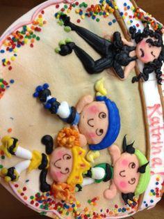 Roller derby theme cake