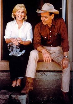 Marilyn Monroe and Clark Gable on set of The Misfits, Clark Gable, Marylin Monroe, The Misfits, Divas, Classic Movie Stars, Classic Movies, Vintage Hollywood, Classic Hollywood, Carole Lombard