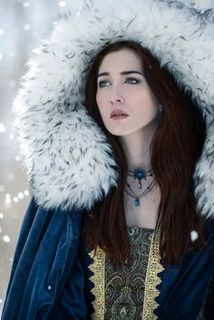 If Arya and Sansa stark survive the next season, this is what I think they?ll look like - The Von Wong Covet Fashion, 3 4 Face, Winter Typ, Lady, Snow Queen, Medieval Fantasy, Female Characters, Character Inspiration, Writing Inspiration