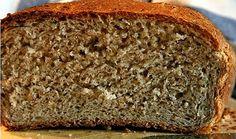 """Se você gosta de fazer pão, vai adorar esta receita.Primeiro porque ela é muito simples e prática.Quase tudo é feito no liquidicador, não é preciso sovar nem gastar um tempão dando """"murros"""" na massa."""