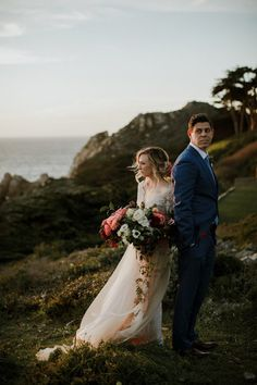 We are in so much awe of these beautiful sunset wedding portraits | Image by Sebastien Bicard Photography