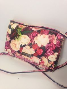 Kate Spade Sally Grant Street Floral cross body bag #katespade #MessengerCrossBody