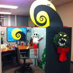nightmare before christmas office cubical decor jack skeleton wreath charming desk decorating ideas work halloween