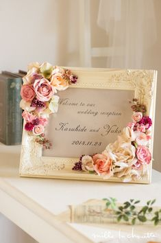 アンティークピンクローズ シック ウェルカムボード Wedding Frames, Wedding Cards, Diy Wedding, Wedding Venues, Acrylic Flowers, Diy Flowers, Flower Decorations, Flower Circle, Flower Wall