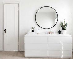 29 ideas room decor white bedroom design for 2019 All White Room, White Rooms, White Walls, White Couches, Minimalist Bedroom, Minimalist Decor, Minimalist Drawers, Minimalist Apartment, Diy Room Decor