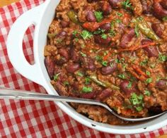 Lekker recept: Chili con Carne - Everybody Healthy Winter Chili Recipe, Classic Chili Recipe, Chili Recipes, Healthy Recipes, Healthy Food, Canned Tomato Sauce, Potato Dishes, Casserole Dishes, Food Network Recipes