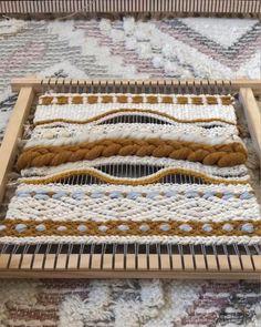 Macrame Wall Hanging Patterns, Weaving Wall Hanging, Macrame Patterns, Weaving Patterns, Weaving Loom Diy, Weaving Art, Tapestry Weaving, Hand Weaving, Loom Weaving Projects
