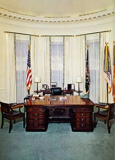 Oval-office-1969, President Richard Nixon started out with Johnson's decor…