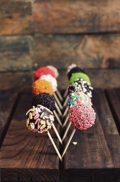 Rainbow color cake pops! Kanela y Limón
