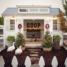 7 of our favorite ways to add some festive decor to your feathered family members holiday coop! Cute Chicken Coops, Chicken Coop Decor, Chicken Home, Chicken Coop Signs, Chicken Coop Run, Diy Chicken Coop Plans, Chicken Garden, Backyard Chicken Coops, Chicken Runs