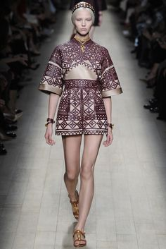 Valentino RTW Spring 2014 - Slideshow  Like the sleeves, engineered print and color.