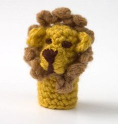 Lion Finger Puppet Crochet Pattern  [Is it just me or couldn't this easily be a dog finger puppet if you leave the mane off?]