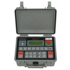 MC 960 is the Entry level control unit of PyroDigiT system for the realization of traditional and automatic displays. Although is the base unit, it allows you to perform advanced tests and manage fireworks displays, even complex, with a maximum of 64 firing units