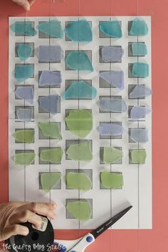 Decorate your home with a beautiful sea glass wind chime. This step by step tutorial will show you exactly what to do. Wind Chimes Craft, Glass Wind Chimes, Mason Jar Crafts, Mason Jar Diy, Homemade Crafts, Easy Diy Crafts, Sea Glass Crafts, Cricut Craft Room, Giant Paper Flowers