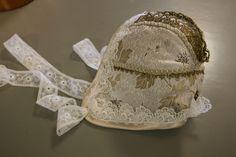 Bilder: Dåpsluer - www.toveaasland.com Barn, Sewing, Bracelets, Pictures, Converted Barn, Dressmaking, Couture, Stitching, Bracelet