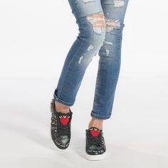 Teniși negri de dama din piele ecologica cu mesaj și detalii metalice it240118-47 | Fashionmix.ro