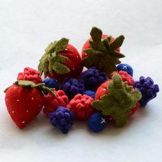 Felt Food Berries Strawberries Blueberries by FeltFarmMarket, $22.00