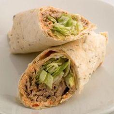 De ideale gezonde snack als hapje op een feest of gewoon als tussendoortje. De mini wraps tonijn zijn fris van smaak en hebben tevens ook een pittige bite. Een mini wrap tonijn bevat slechts 30 kcal. Personen: 24 á 30 stuks Bereidingstijd: 20 +/- minuten...