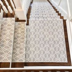 beautifully dressed stair runner designed by using our stunning 'Antibes' carpet in colorway Cool Mist. 💙 Be sure to tag us in your post for a chance to be featured! Stair Runner Carpet, Staircase Decor, Decor, Carpet Design, House Design, Home Remodeling, Interior Design, Home Decor, Oak Stairs