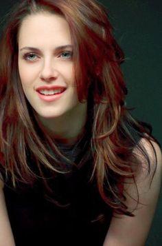 Kristen Stewart ✾ Edward Bella, Edward Cullen, Hollywood Actress Photos, Hollywood Celebrities, Kristan Stewart, All Actress, Kirsten Dunst, Bella Swan, Robert Pattinson