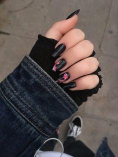 Black Nails, My Nails, Aesthetics, Daughter, Beauty, Asian Nails, Nail Ideas, Beleza, Black Nail