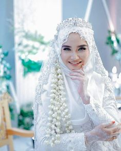 Ideas Dress Hijab Brokat Duyung For 2020 Hijabi Wedding, Wedding Hijab Styles, Muslimah Wedding Dress, Muslim Wedding Dresses, Muslim Brides, Wedding Poses, Bridal Hijab, Hijab Bride, Niqab