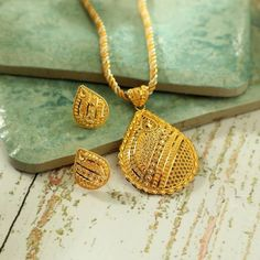 Gold Diamond Earrings, Gold Pendant Necklace, Pendant Set, Gold Ring, Gold Jewellery Design, Gold Jewelry, Manubhai Jewellers, Wedding Necklace Set, Latest Jewellery
