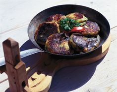 Iron Pan, Life Is Good, Good Food, Kitchen, Kitchens, Dutch Oven, Cuisine, Cooking, Life Is Beautiful